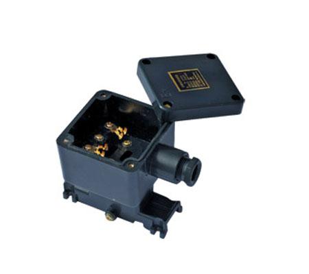 电源接线盒